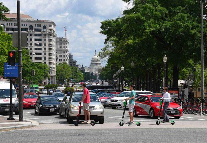 Micromobilità a zero emissioni: il boom dei monopattini elettrici