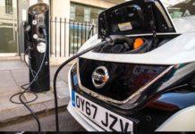 Nel Regno Unito le stazioni di ricarica per i veicoli elettrici superano quelle di rifornimento