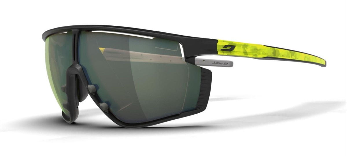 Con Julbo EVAD-1 i dati dell'attività fisica vengono proiettati sulle lenti degli occhiali