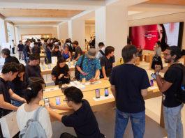 Ecco le foto delle prime vendite iPhone 11 e Apple Watch 5