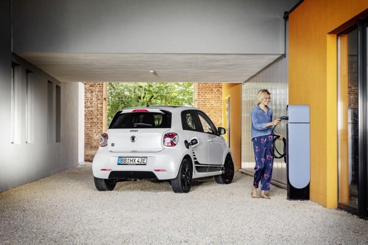 La nuova generazione di Smart è digitale e full electric