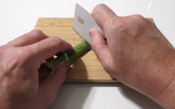 Affila Apple Card e la trasforma in un coltello