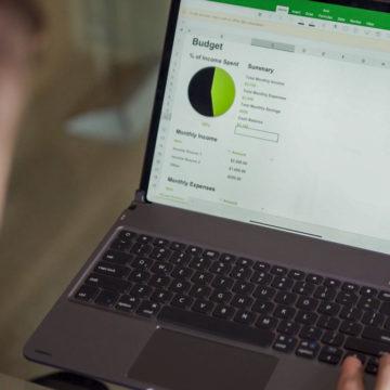 La cover Libra per iPad Pro è la prima al mondo con trackpad