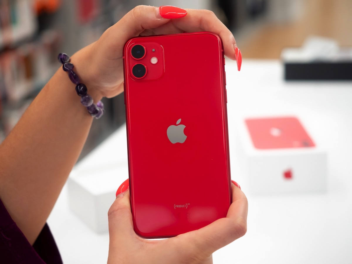 Unboxing di iPhone 11 [Red], iPhone 11 Pro e Max italiani