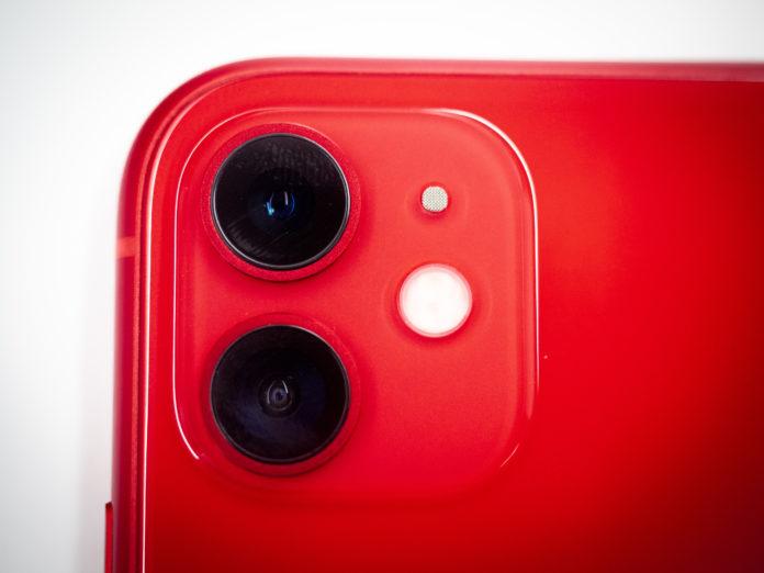 Unboxing e confronto di iPhone 11 [Red], iPhone 11 Pro e Max italiani