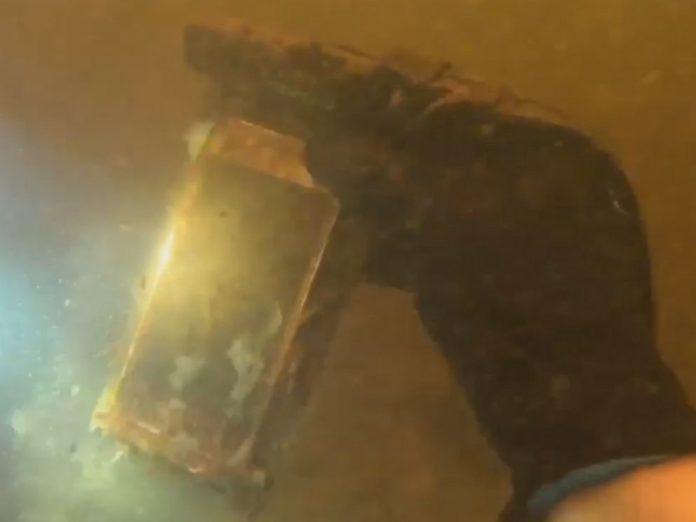 iPhone ritrovato funzionante dopo 15 giorno nel fiume