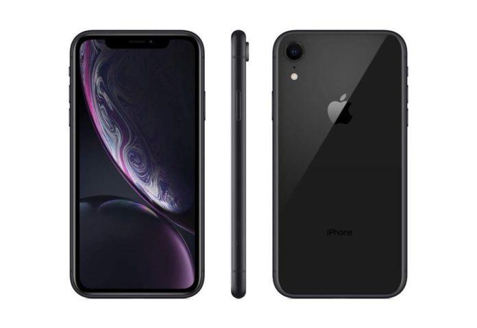 Amazon vende iPhone XR da 256 GB al prezzo del 64GB: 743 euro