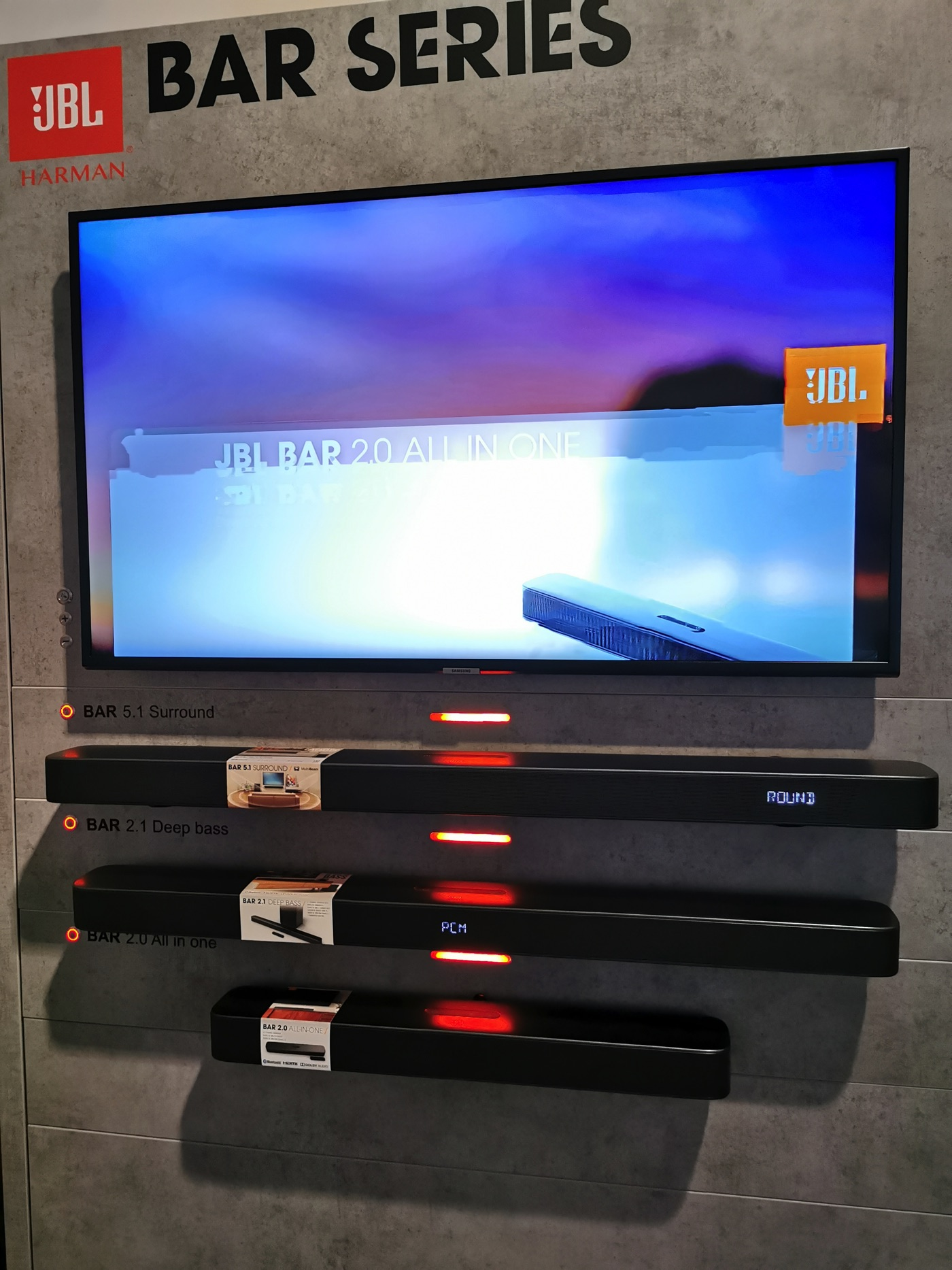 JBL sound bar aggancio