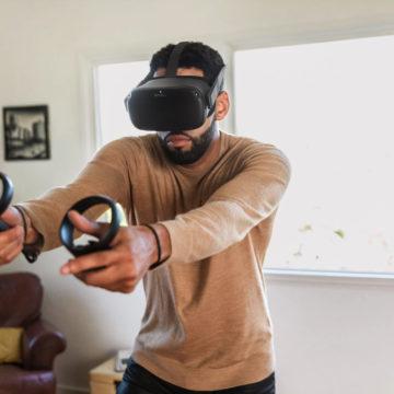 Facebook potenzia il visore di realtà virtuale Oculus Quest con Oculus Link