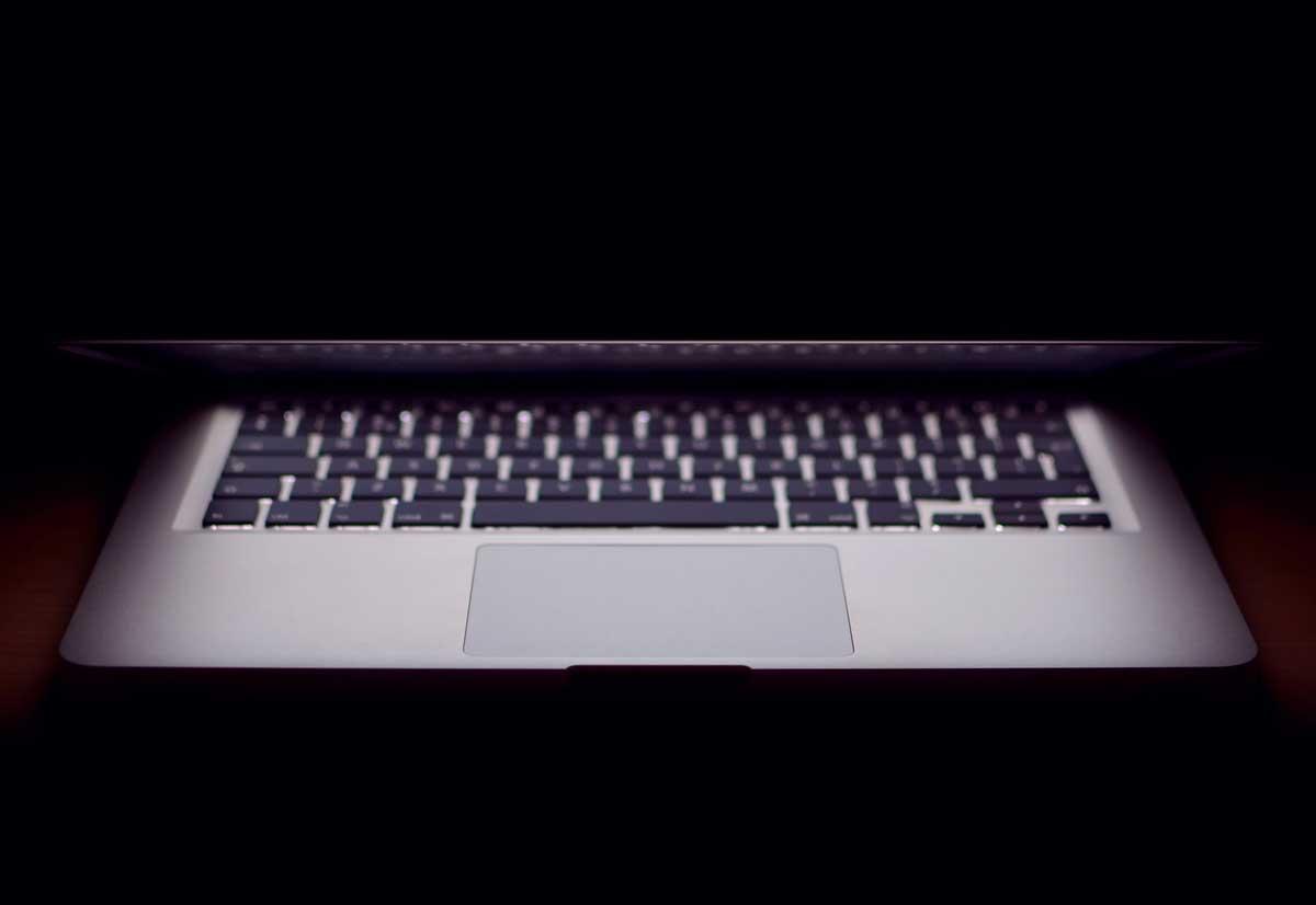 Ming-Chi Kuo dice che il MacBook con la tastiera a forbice arriverà a metà 2020