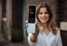 E' in vendita Nokia 2720 Flip, il telefono a conchiglia con 4G, Whatsapp e Hotspot