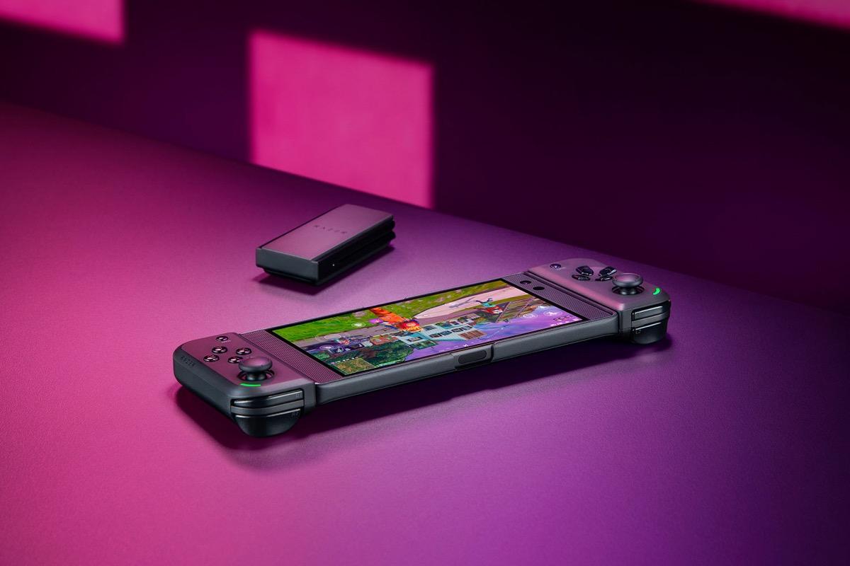 Razer Junglecat, il controller stile console per smartphone Android e PC