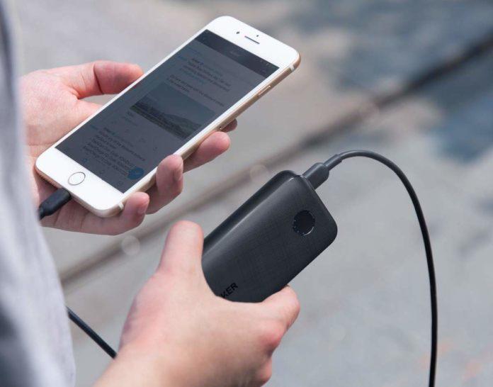 Batteria da 10.000 mAh con presa USB-C da 18W in offerta a 29,99 euro spedita
