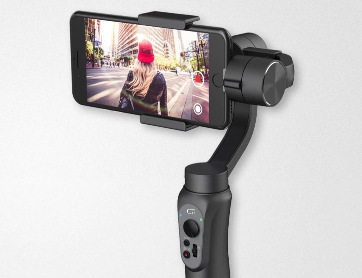 CINEPEER C11, gimbal per smartphone con inseguimento del soggetto in sconto a 80 euro