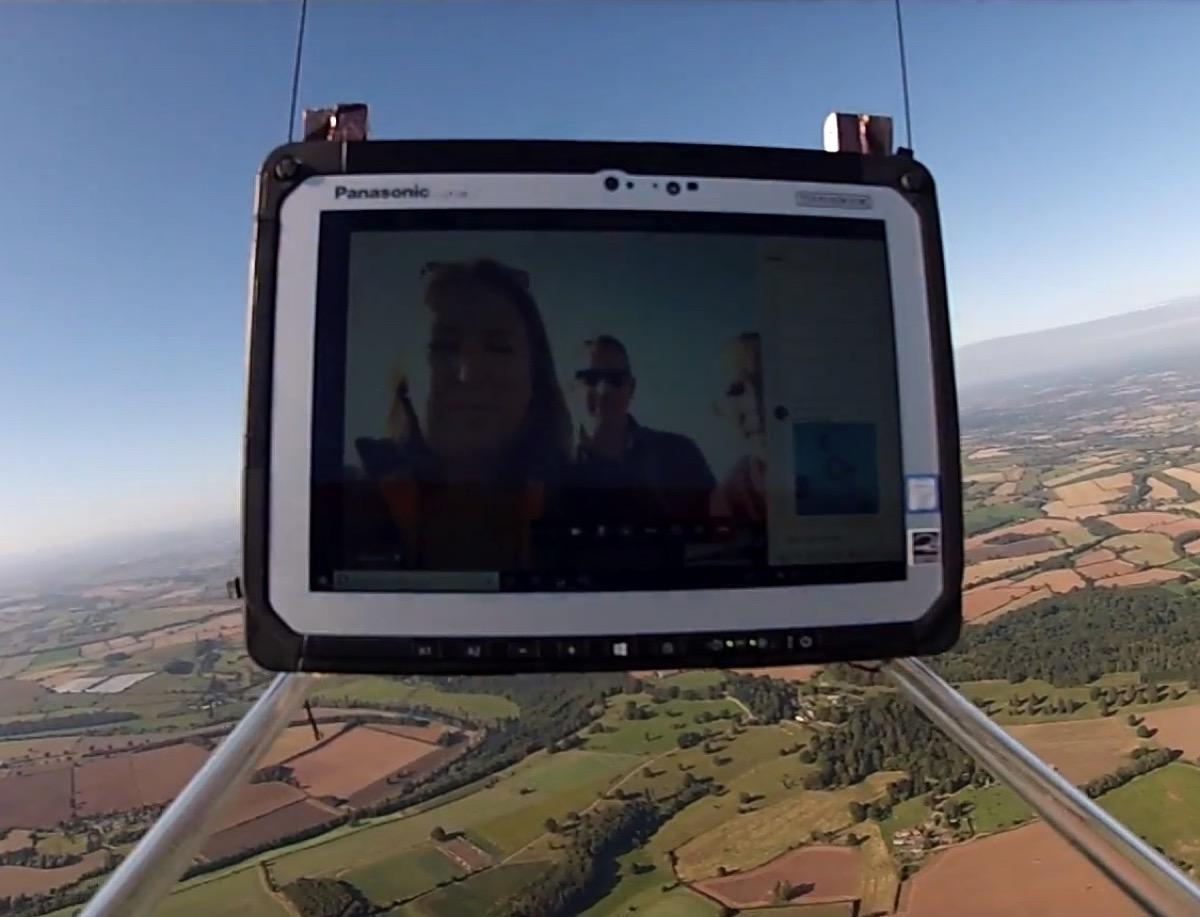 Microsoft ha inviato un tablet nella stratosfera (e poi lo ha fatto cadere)