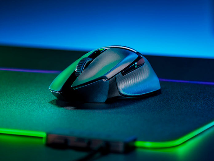 Recensione Razer Basilisk X HyperSpeed, il Dr. Jekyll e Mister Hyde dei mouse