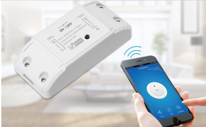 Lo switch Tuya per rendere intelligente tutta la casa è in super offerta su eBay: 5 interruttori a 20,99 euro
