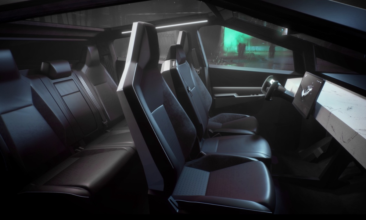 Tesla CyberTruck: il pickup diventa una supercar. Elon Musk stupisce ancora