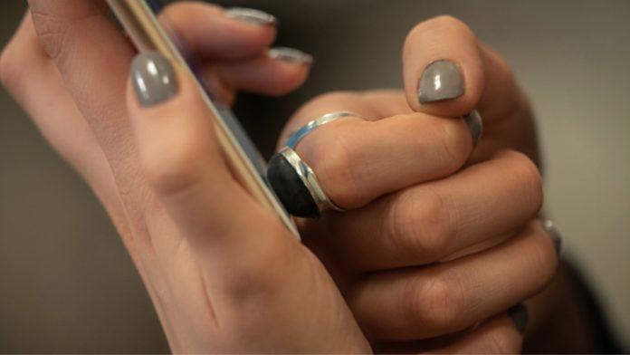Ecco l'anello salva privacy, crea un'impronta digitale fasulla