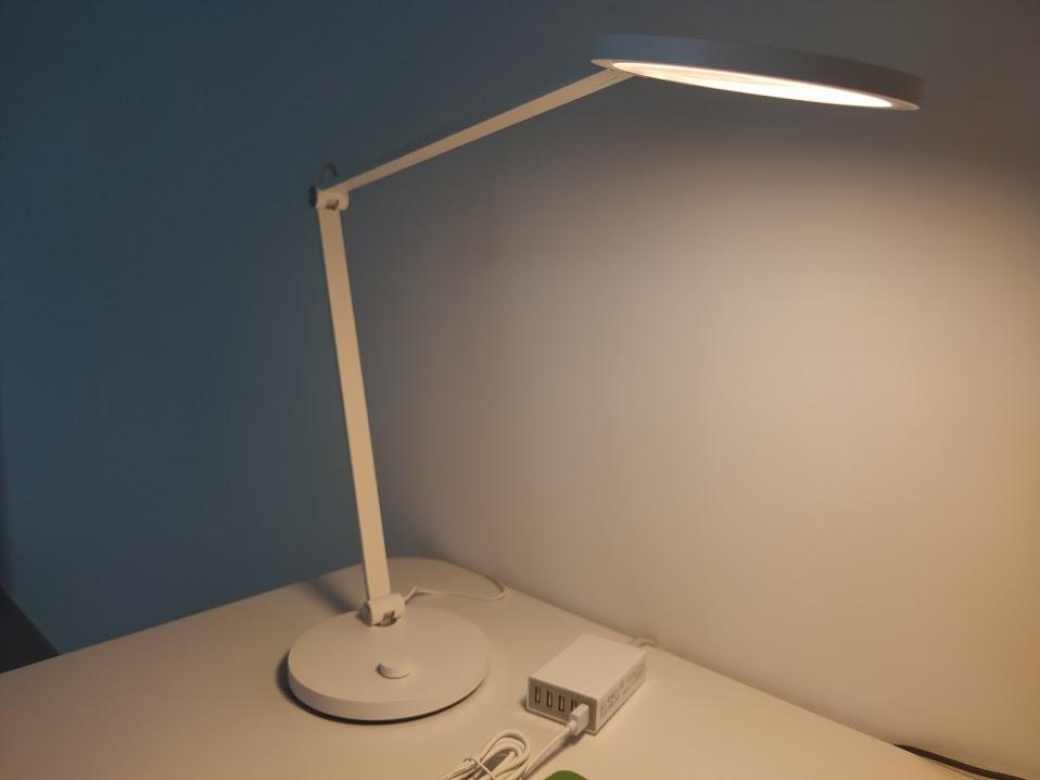 Recensione Xiaomi Mijia MTJD02YL: la lampada da scrivania più minimal di sempre, compatibile con HomeKit di Apple.