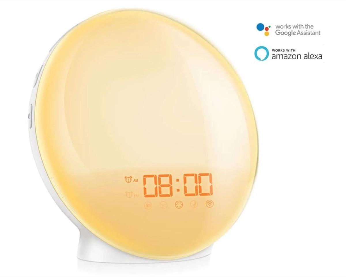 Lampada da comodino Smart con sveglia incorporata in offerta a 29,99 euro