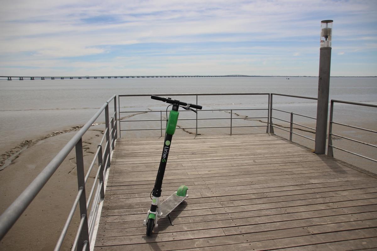 Monopattini elettrici come le biciclette, ecco le norme per circolare
