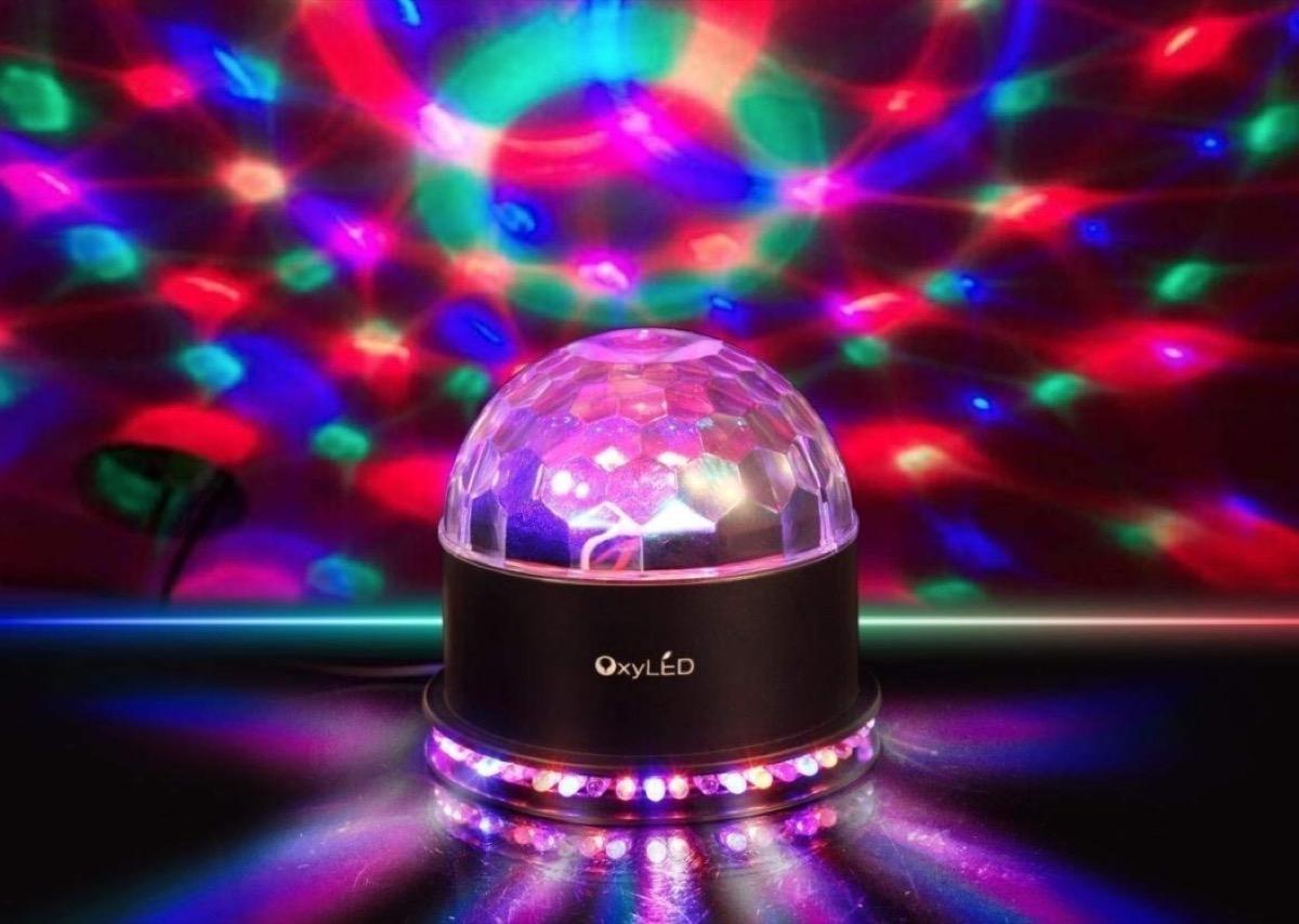 Proiettori di luci per Natale, vetrine e feste in offerta a partire da 11,10 euro