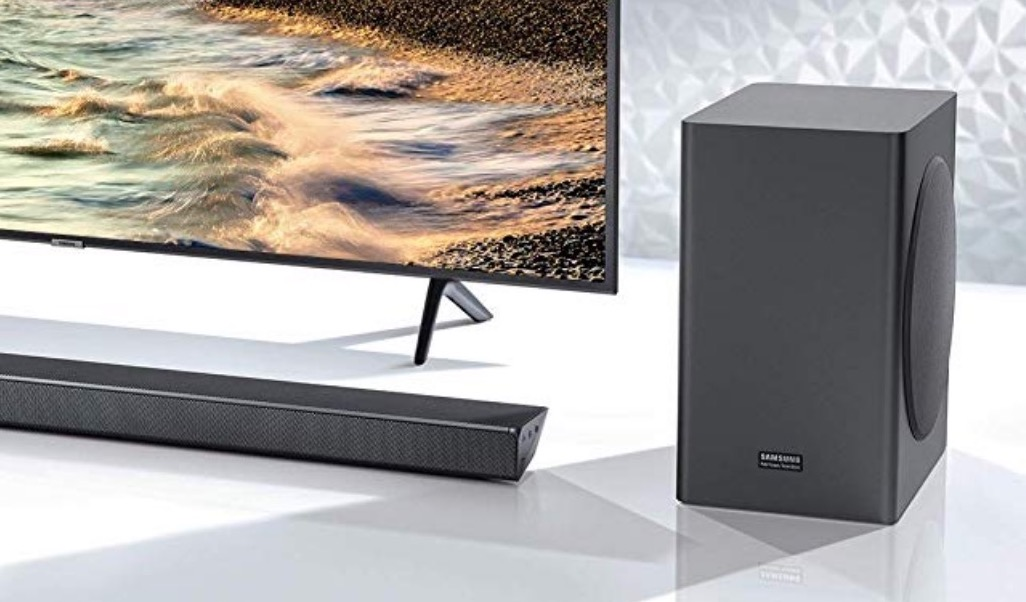 Cyber Monday, cinque offerte top: tablet, Tv, aspirapolvere automatico
