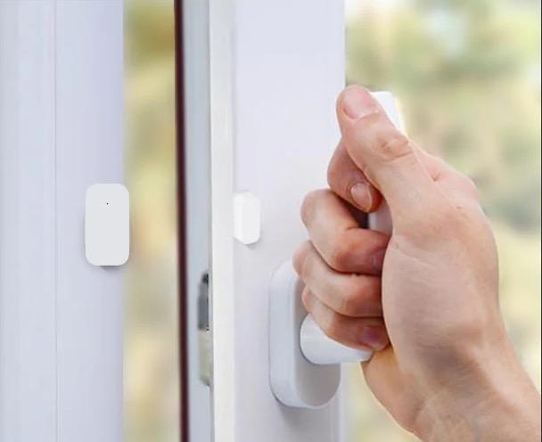 Il sensore Aqara per porte e finestre in super sconto a meno di 8 euro