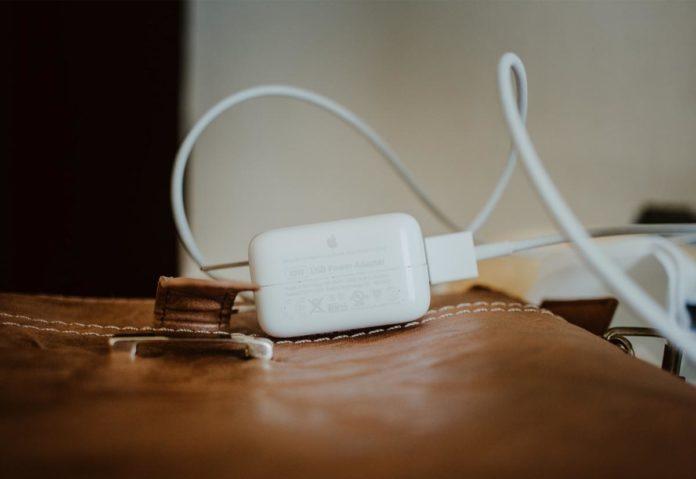 Apple non è d'accordo con la propsta UE di un caricatore universale per tutti i prodotti elettronici