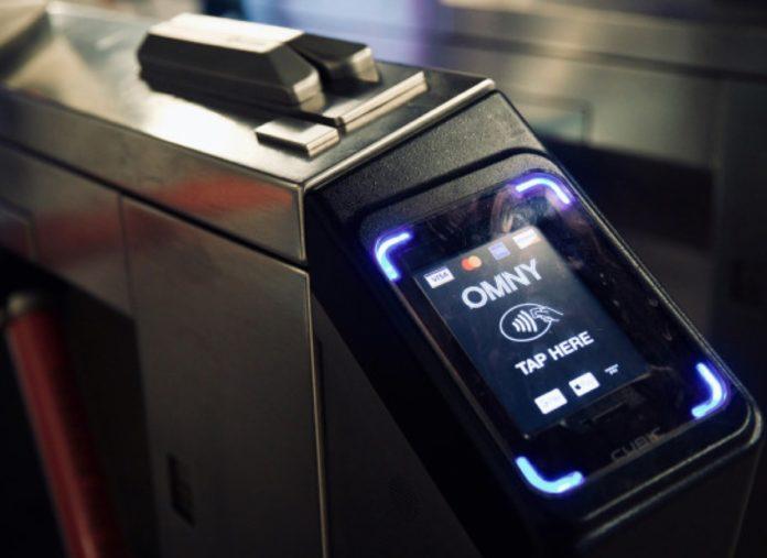 Apple Pay Express Transit, a New York addebiti agli utenti che passano vicino ai terminal