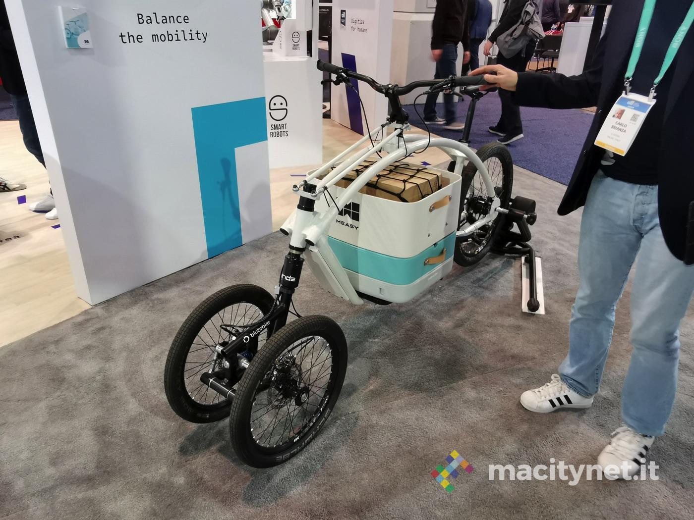 Measy, la cargo-bike per il delivery di cibo che impedisce le cadute per lo sbilanciamento del carico