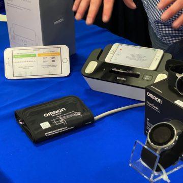 Omron HeartGuide è il primo misuratore di pressione indossabile clinicamente validato