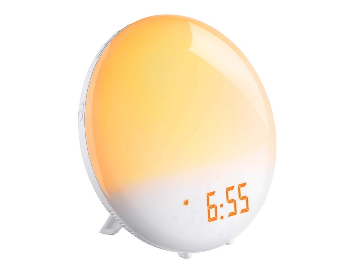 Lampada da comodino con radiosveglia incorporata in sconto a 29,99 euro spedita