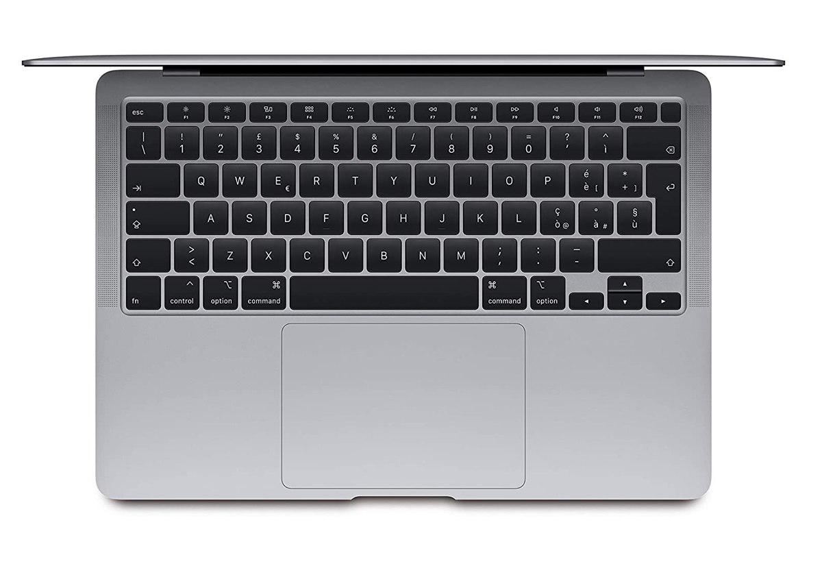 MacBook Air 128 e 256 GB in sconto su Amazon: risparmio di 200 €