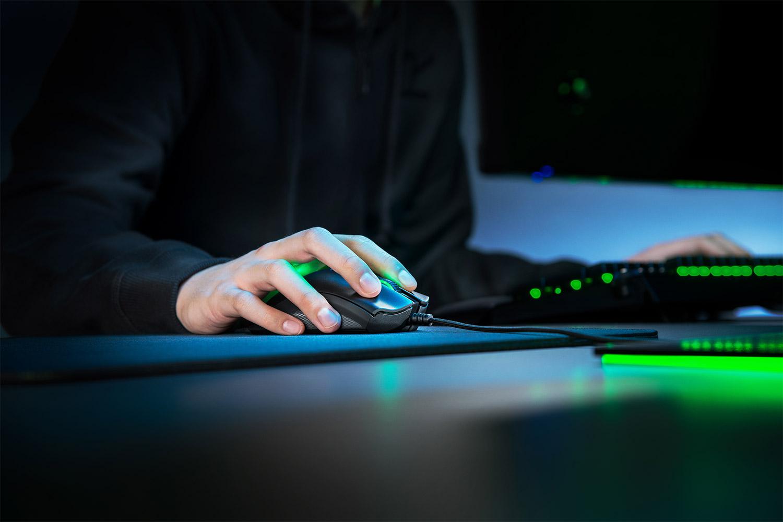 Recensione Razer DeathAdder V2, la leggenda dei mouse ha un degno successore