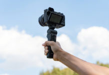 Sony annuncia lo shooting grip GP-VPT2BT con funzione di telecomando wireless