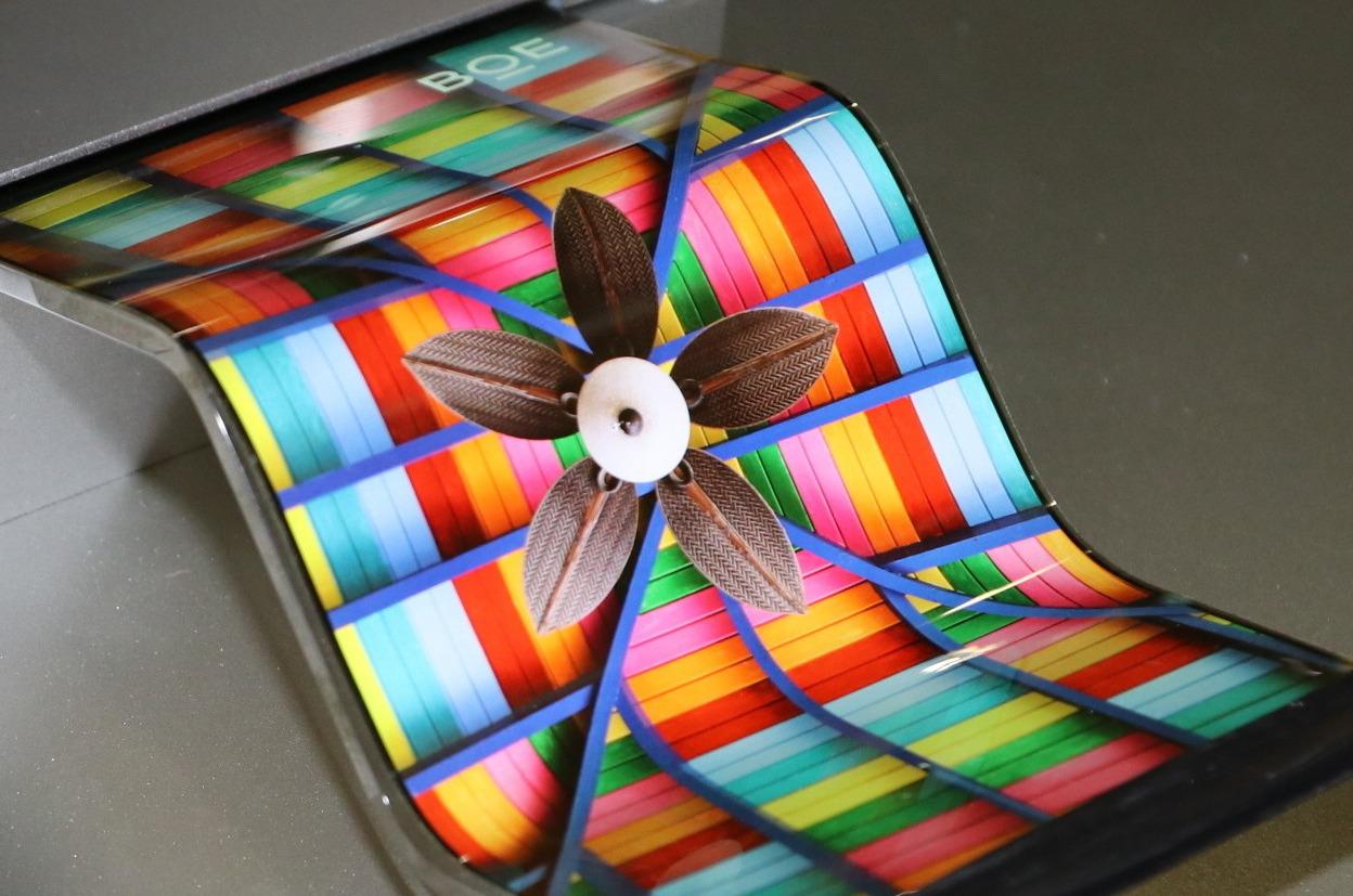 A breve gli OLED di iPhone potrebbero essere cinesi