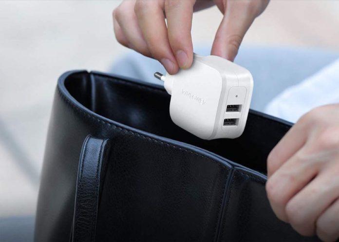 Sconto alimentatore da muro 17W con 2 USB e spina verticale italiana: 6,59 euro