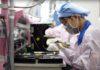 Foxconn mette in quarantena gli operai degli iPhone e riduce le previsioni