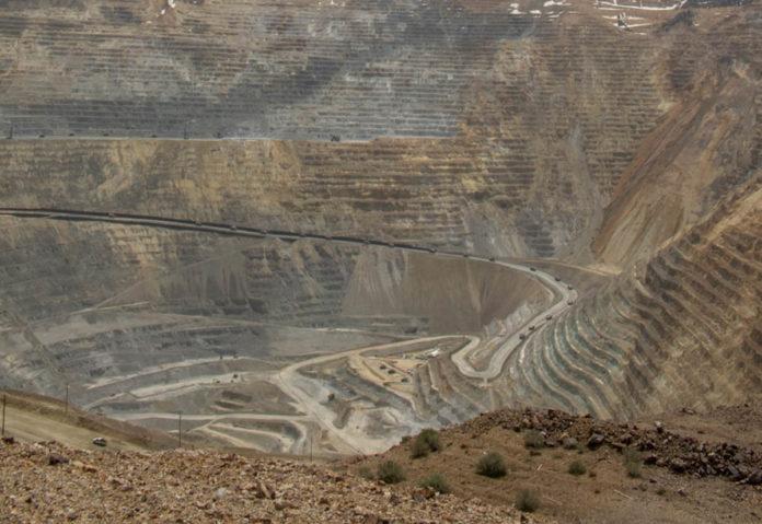 Apple ha annullato i contratti con 18 fonderie e raffinerie per violazione del codice di condotta sui minerali provenienti da zone di conflitto
