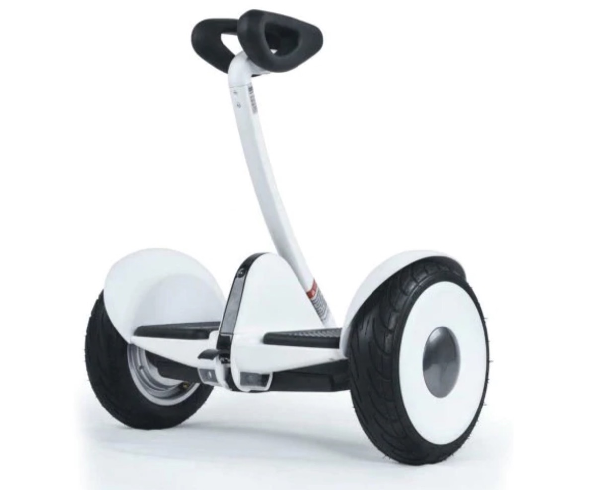 Ninebot S, l'hoverboard con il manubrio alle ginocchia a soli 258 euro