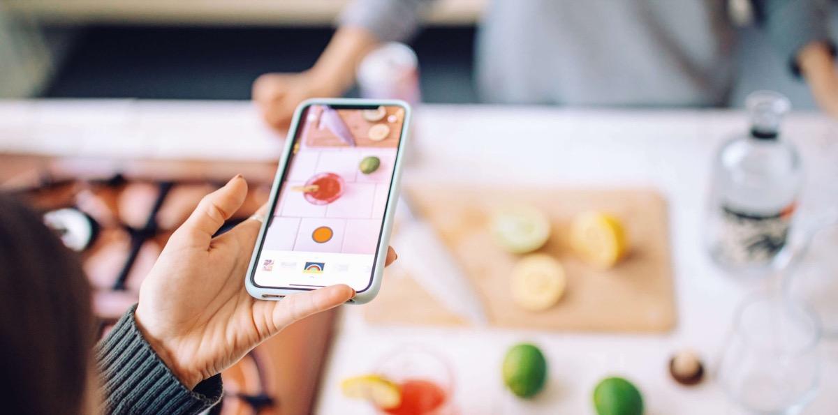 RTRO, l'app che trasforma iPhone in una videocamera vintage