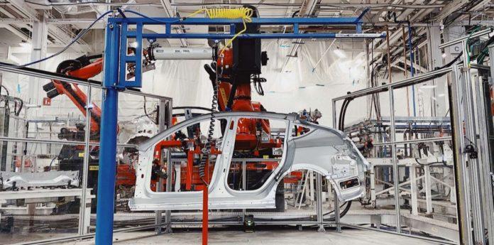 Le consegne della Tesla Y cominciano a marzo