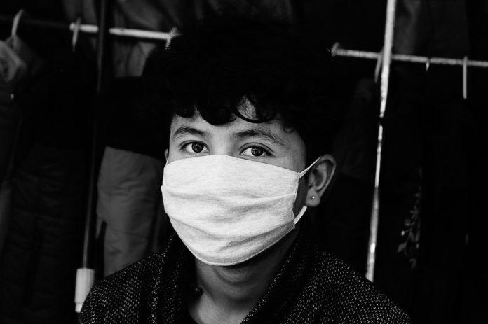 Foxconn inizia a costruire maschere mediche per coronavirus