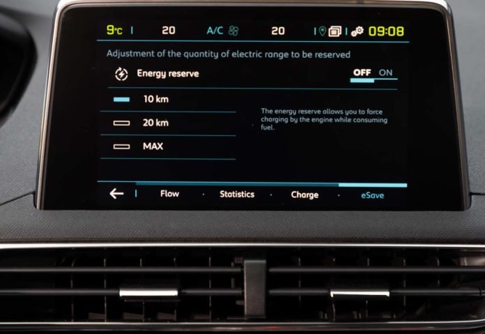 Peugeout SUV 3008 e 508 plug-in Hybrid con e-save per percorsi urbani solo elettrici