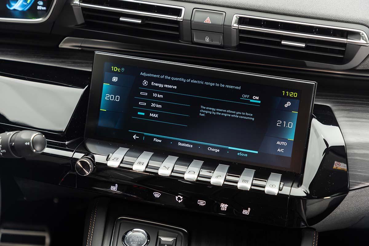 Peugeout SUV 3008 e 508 plug-in Hybrid con funzione e-save
