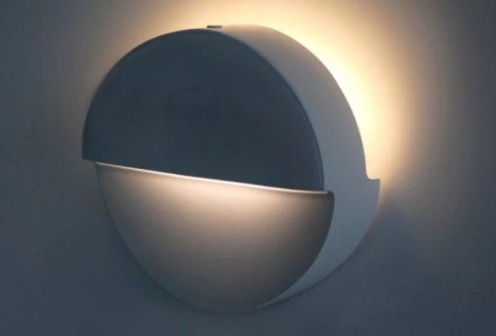Lampada LED Bluetooth con sensore di movimento e batteria a soli 17,67 euro
