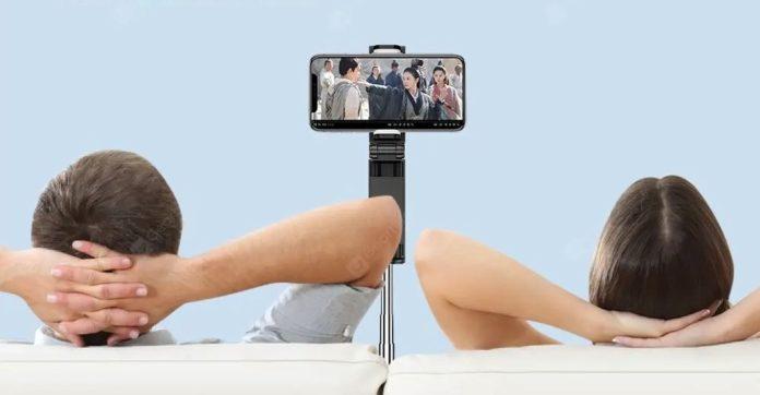 Treppiede da tavolino perfetto per videoconferenza con smartphone, in sconto a 10 euro