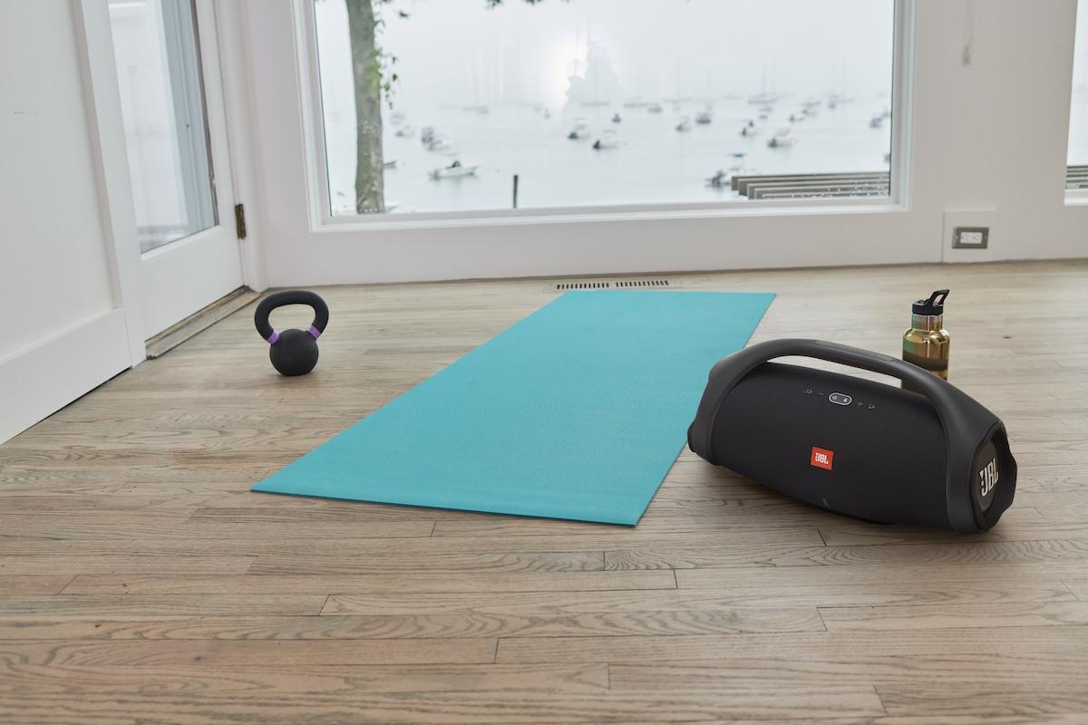 JBL presenta Boombox 2, lo speaker portatile da usare ovunque